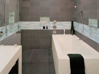 Master Bathroom (34)